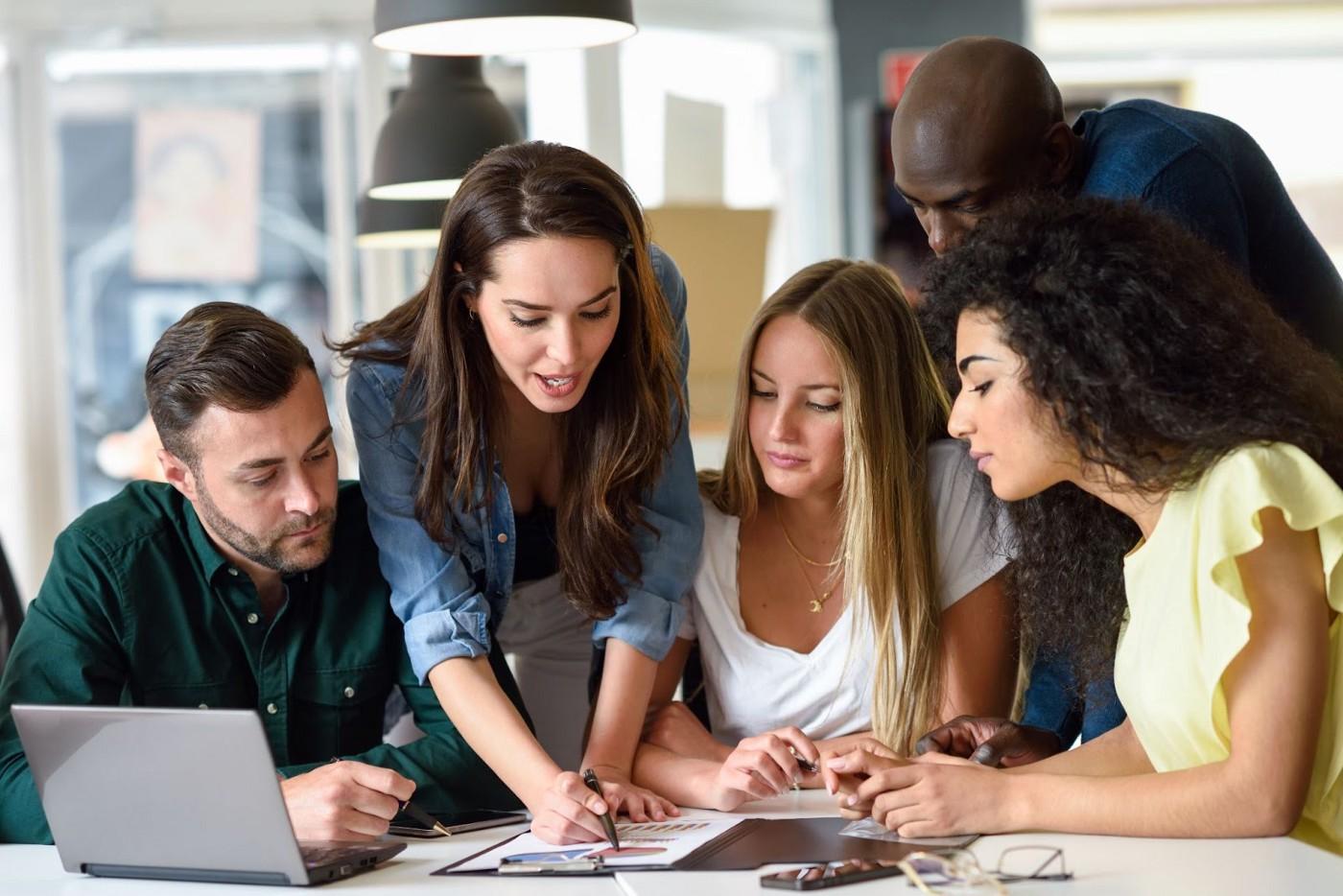 Pesquisa feita pela Play2sell revela que 44% das empresas brasileiras sentem dificuldades em capacitar o time de vendas